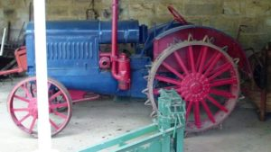 boer old-tractor